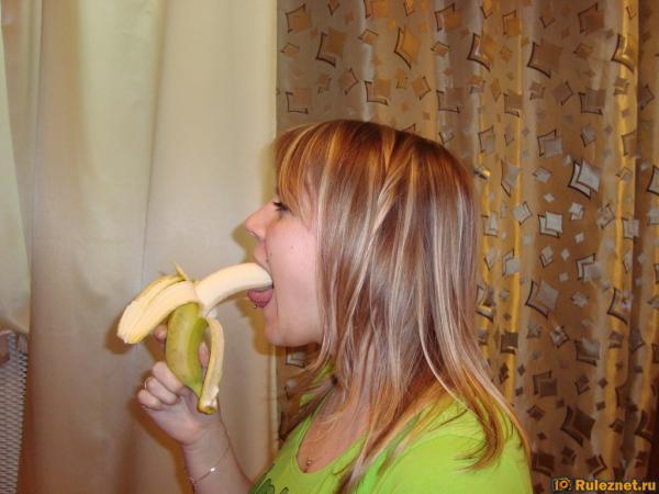 Жена любит глубоко в рот член мужа
